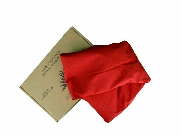 cojín rojo y su caja